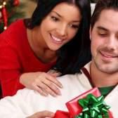 Що подарувати молодій сім'ї на новий рік - практичні поради та оригінальні ідеї
