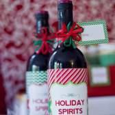 Як красиво оформити пляшку в подарунок: 5 ідей з фото