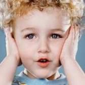 Як лікувати отит у дітей?