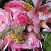 Літо яскравою зеленню одягнене: робимо букет з живих квітів