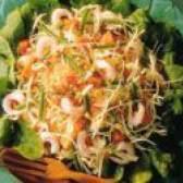 Гостро-солодкий салат з пекінської капусти