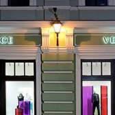 Відкрився новий бутік versace в москві