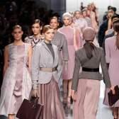 Показ christian dior на тижні високої моди в Парижі