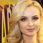 Поліна гагарина фліртувала з відомим продюсером під час зйомок кліпу
