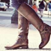 Уроки стилю: з чим носити високі чоботи на низькому каблуці