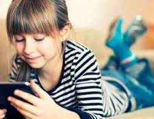 Дошкільник просить планшет в подарунок: купувати чи ні?