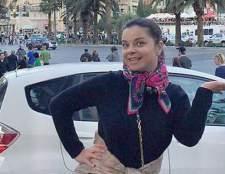 Наташа королева гуляє по вулицях Лас-Вегаса без макіяжу