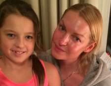 Волочкова з донькою нарядила новорічну ялинку